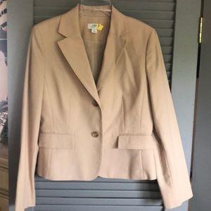 Beautiful versatile jacket tan/beige.